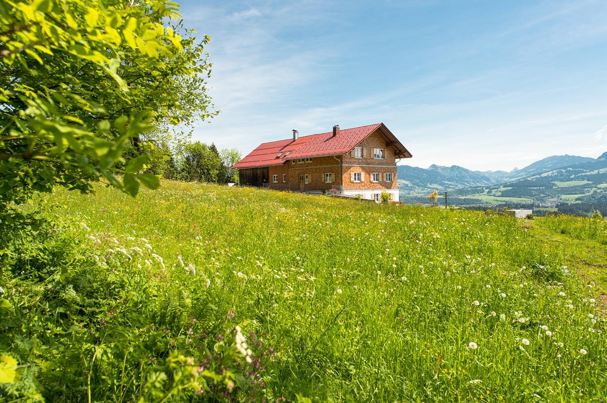sch nerurlauben im allg u das vier sterne ferienhaus alpen chalet hageberg. Black Bedroom Furniture Sets. Home Design Ideas